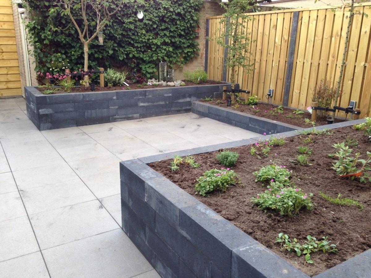 Eigentijdse achtertuin in loon op zand vesseur tuinen for De eigentijdse tuin